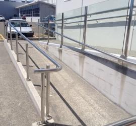 Wheelchair access handrail